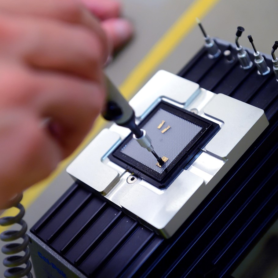 EFFECT Photonics makes Photonic Integrated Circuits | Brabant Brand Box