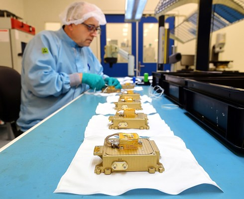 Bradford-Engineering-in-Heerle-makes-components-for satellites-and-space-missions_Brabant-Brand-Box.jpg